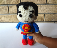 Superman amigurumi free pattern