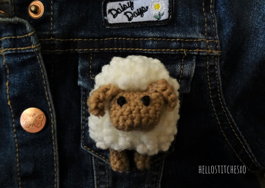 Amigurumi sheep brooch pin