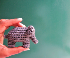 Crochet small elephant – free pattern